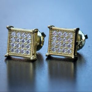 Yellow Gold Small Men's Square Stud Earrings